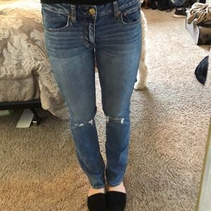 Medium Wash Straight American Eagle Jean
